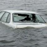 เมื่อขับรถตกแม่น้ำ ลำคลอง