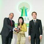"""อีซูซุรับรางวัล """"โครงการเพื่อสังคมดีเด่นแห่งเอเชีย"""" จาก """"อีซูซุให้น้ำ…เพื่อชีวิต"""""""
