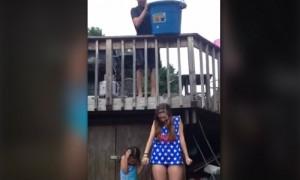 คลิปสาว Ice Bucket ถังตกใส่หัว ยังไม่ตาย
