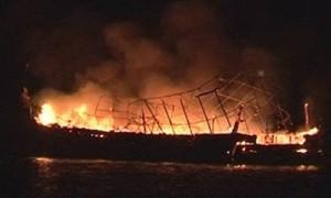 ไฟไหม้เรือดำน้ำท่องเที่ยวภูเก็ต