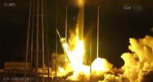 คลิป จรวด Antares สหรัฐ ระเบิดหลังถูกปล่อยจากฐาน