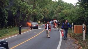 รถติดแก๊สขึ้น 'อินทนนท์' ไปแก้บน ไฟไหม้วอด