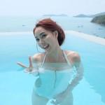 ว้าวว โฟร์ อวดหุ่นแซ่บ ในชุดว่ายน้ำ