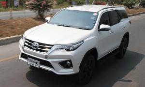 Toyota Fortuner TRD Sportivo ใหม่