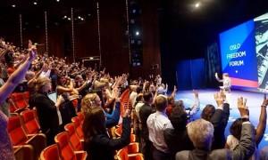 เนติวิทย์ ร่วมประชุมที่นอร์เวย์ ชวนทั่วโลก ชูสามนิ้ว ต้านรัฐบาล คสช.