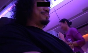 """การบินไทย จวก """"คู่รักดารา"""" ไม่สร้างสรรค์ทำคลิปทดสอบความอดทนแอร์โฮสเตส"""
