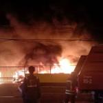ไฟไหม้อู่ซ่อมรถ วอดรถหรู 15 คัน เสียหายไม่ต่ำกว่า 40 ล้าน