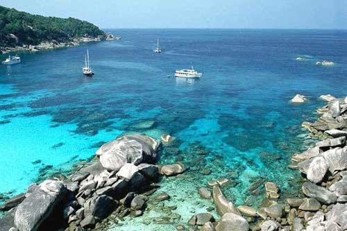 วันหยุดเสาร์-อาทิตย์ แนะนำสถานที่ท่องเที่ยวใกล้กรุงเทพ เกาะสีชัง