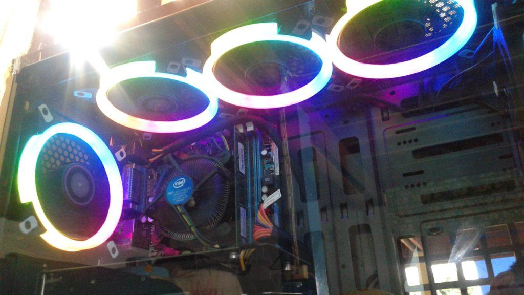 ไฟ RGB แต่งเคสคอม