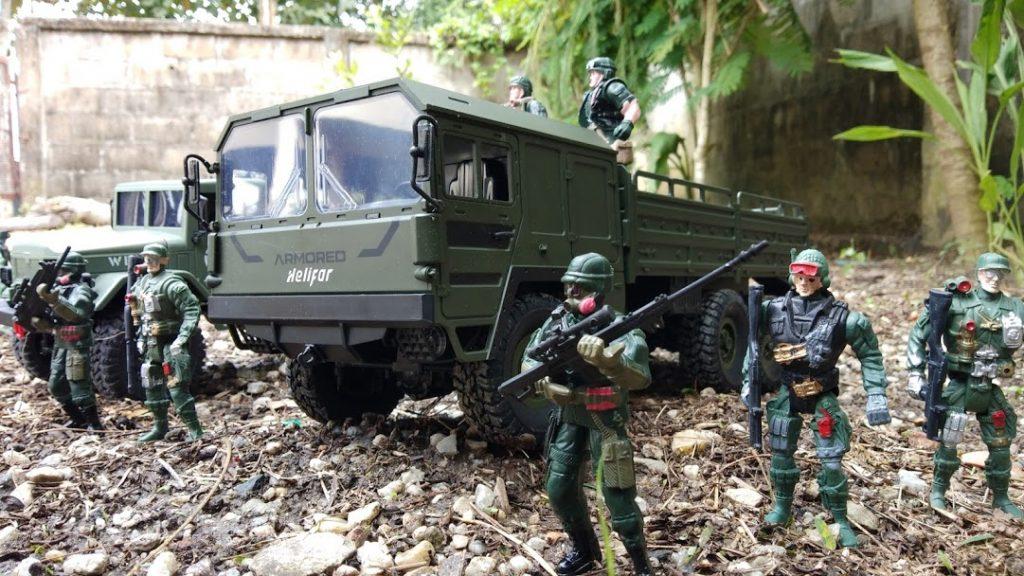 รถบังคับบรรทุกทหาร